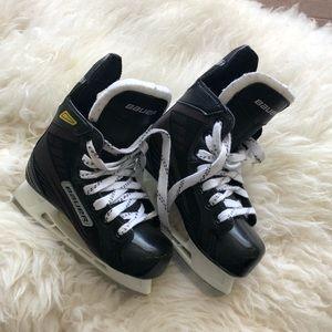 Boy's skating shoes